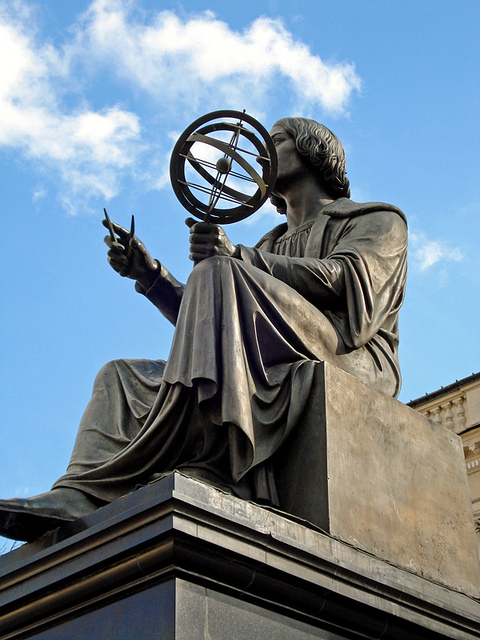 Estatua de Copérnico en Varsovia Polonia. Foto:  Gilmar Mattos