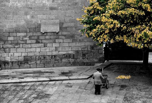 Funcionário público de Sócrates - Chaves - Portugal.  Foto:  Fernando DC Ribeiro